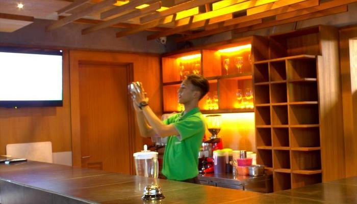 Swiss-Belexpress Kuta Legian - Bar Kolam Renang