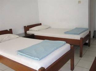 Hotel Santosa Malang - Standard Double