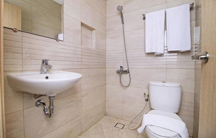 RedDoorz at Cikini - Kamar mandi