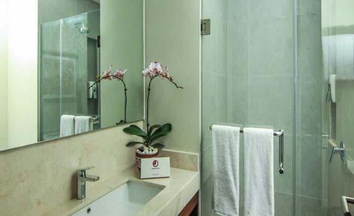 Premier Inn Surabaya� - Kamar mandi