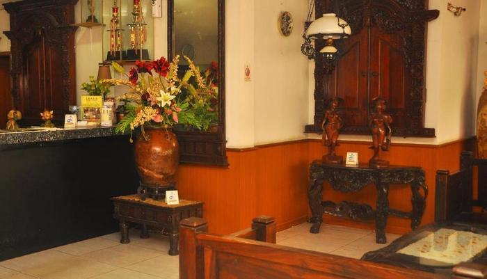 Hotel New Idola Jakarta - Resepsionis
