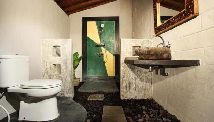 Ndalem MJ Homestay Yogyakarta - Kamar mandi