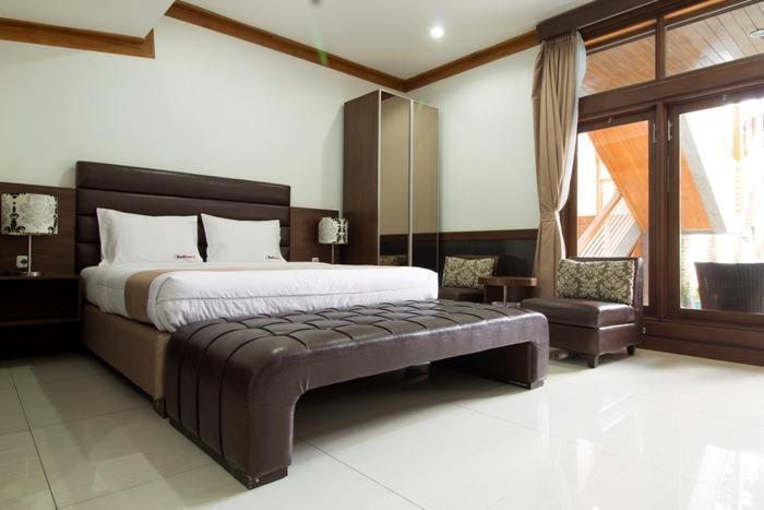 RedDoorz @Hegarmanah Bandung - Kamar tamu