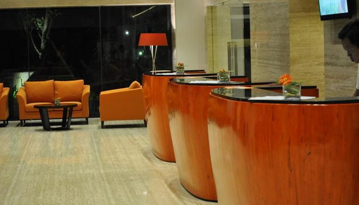 HARRIS Hotel Kuta Galleria Bali - Lobi