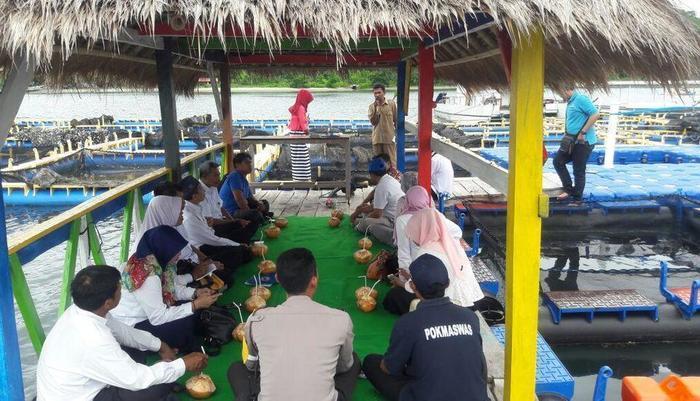 Avatar Raja Bungalow Gili Asahan Sekotong Lombok - Resto Apung