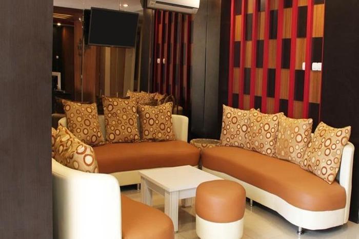 Luxpoint Hotel Surabaya - Lobi