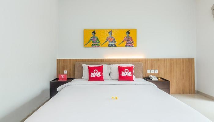 ZenRooms Seminyak Mertanadi - Tampak tempat tidur double