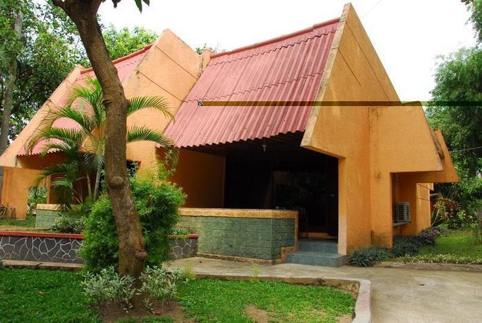 Manyar Garden Hotel Banyuwangi - Moderate (20/May/2014)