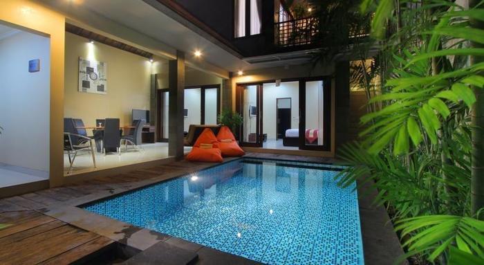 LOTUS Tirta Seminyak  Bali - Kolam Renang