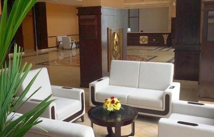 Royal Darmo Malioboro Hotel Yogyakarta - Ruang tamu