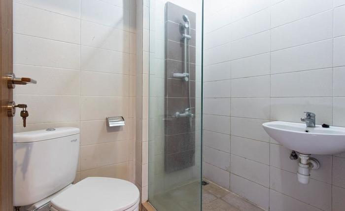 RedDoorz @ Berlian Cilandak Jakarta - Kamar mandi