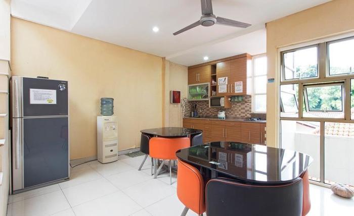 RedDoorz @Berlian Cilandak Jakarta - Dapur