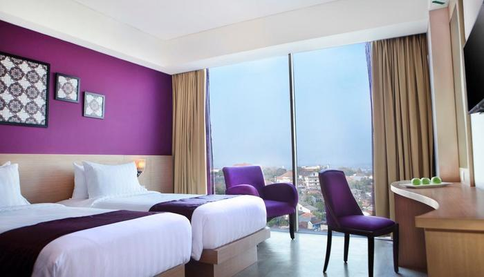 Grand Edge Hotel Semarang - Deluxe Room Twin Beds