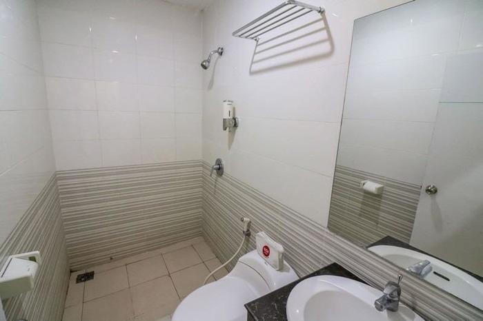 NIDA Rooms Airport Mall Makassar - Kamar mandi