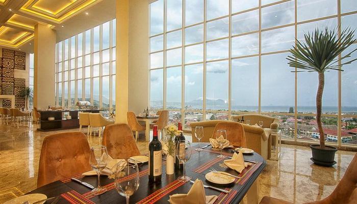 Swiss-Belhotel Lampung - Sky Dining & Lounge