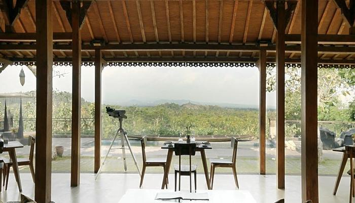 Plataran Borobudur Magelang - Stupa Lounge