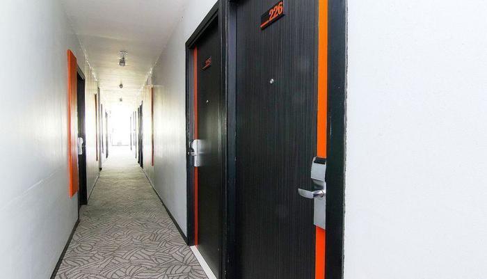 ZenRooms Cengkareng - Koridor