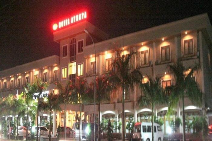 Athaya Hotel & Restaurant Kendari - Tampilan Luar Hotel