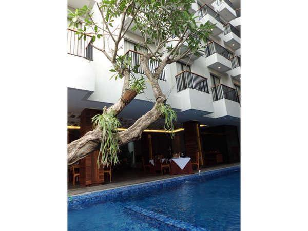 Ping Hotel Seminyak - Tampak Luar