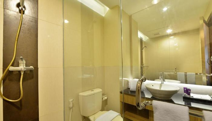 Grand Tjokro Jakarta - kamar mandi