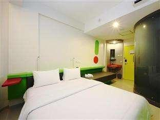 Pop Hotel Kuta - Tempat Tidur Double
