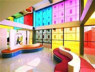 Pop Hotel Kuta - Lobi
