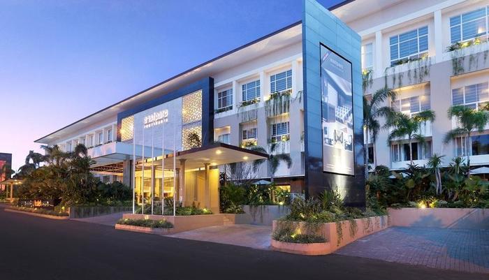 Eastparc Hotel Yogyakarta - Facade