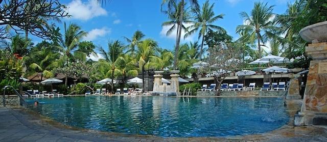 Legian Beach Hotel Bali - Kolam Renang Frangipani