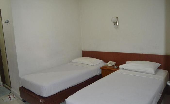 Hotel Dharma Utama Pekanbaru - Standard Twin