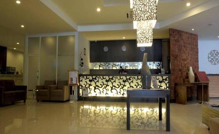 Lombok Plaza Hotel & Convention Cakranegara - Resepsionis