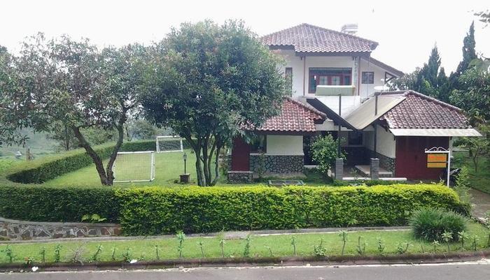 Villa Chava Minerva Bata Ciater - (28/Jan/2014)