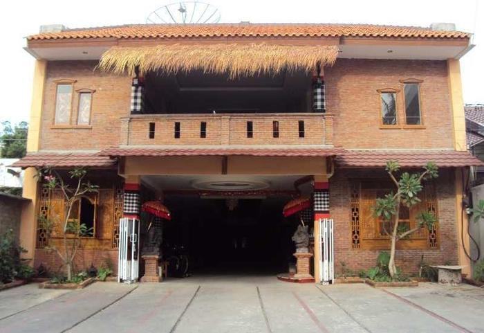 Horton Hotel Cirebon - Eksterior