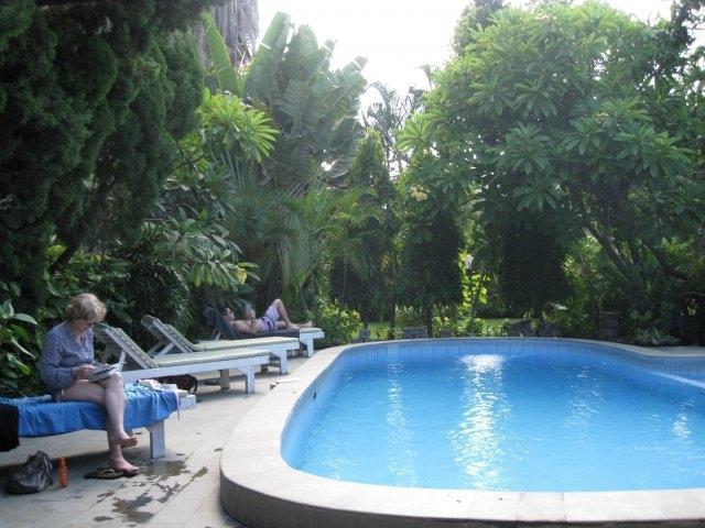 ADUS Beach Inn Bali - Kolam Renang 2