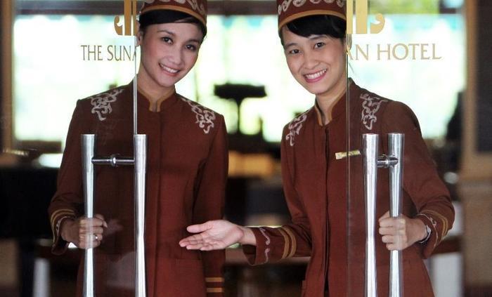 The Sunan Hotel Solo - Door Girl