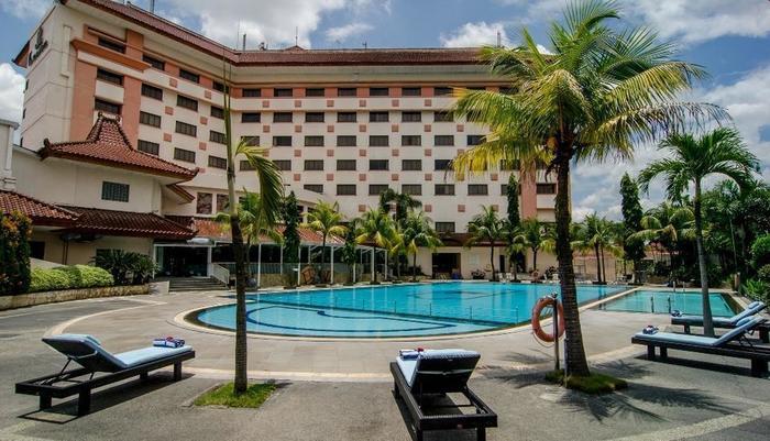 The Sunan Hotel Solo - Swimming Pool