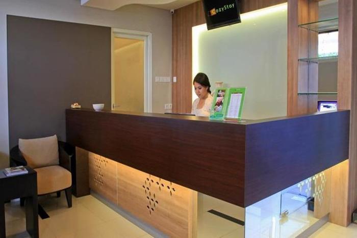 Cozy Stay Hotel Simpang Enam - Resepsionis