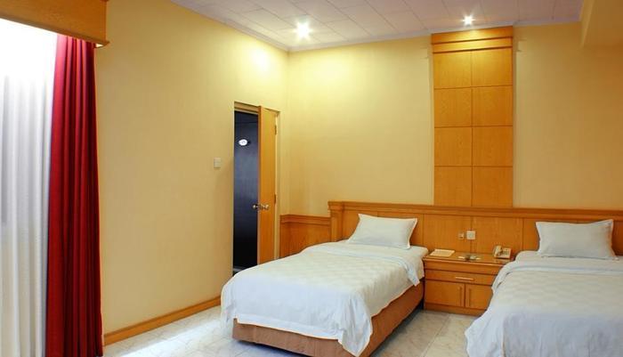 Hotel Hangtuah Padang - Superior Twin