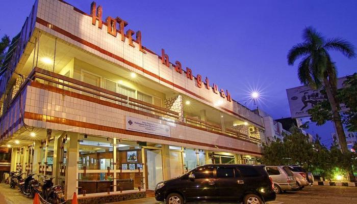 Hotel Hangtuah Padang - Exterior