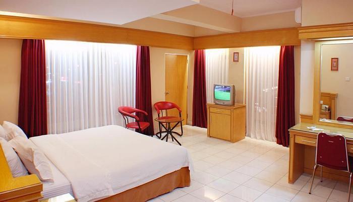 Hotel Hangtuah Padang - Kamar Superior