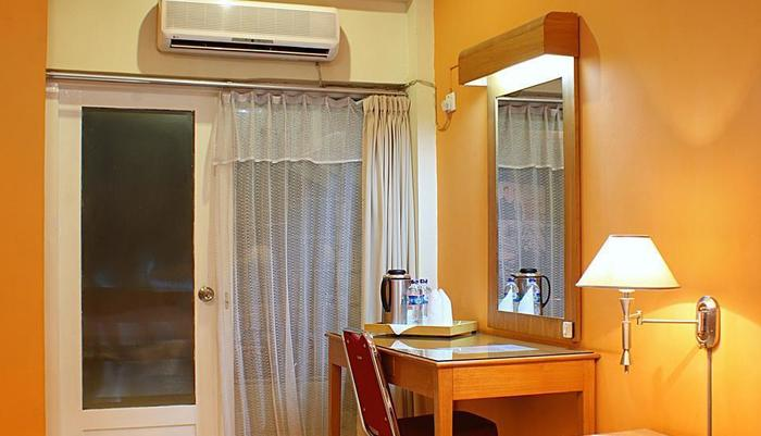 Hotel Hangtuah Padang - Kamar Standar Balkon