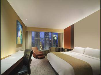 Traders Hotel Kuala Lumpur - Deluxe Room, 1 King Bed, View (Twin Towers) Regular Plan