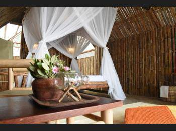 Eco Beach Tent by Billiton Belitung - Traditional Tent, 1 King Bed, Beach View, Beachfront Regular Plan