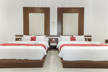 RedDoorz Plus @ Setiabudi Medan Medan - RedDoorz Twin Room Regular Plan