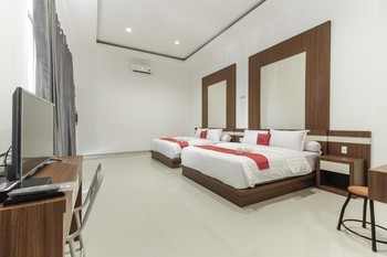 RedDoorz Plus @ Setiabudi Medan Medan - RedDoorz Suite Room Regular Plan