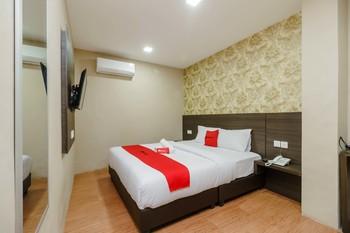 RedDoorz @ Hotel Novanda Tanjung Pinang - RedDoorz Room Basic Deal