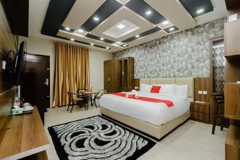 RedDoorz @ Hotel Novanda