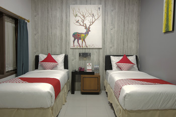OYO 237 Arwiga Near RS Hasan Sadikin Bandung - Standard Twin Room Regular Plan