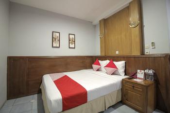 OYO 237 Arwiga Near RS Hasan Sadikin Bandung - Standard Double Room Regular Plan