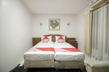 OYO 237 Arwiga Near RS Hasan Sadikin Bandung - Deluxe Twin Room Regular Plan
