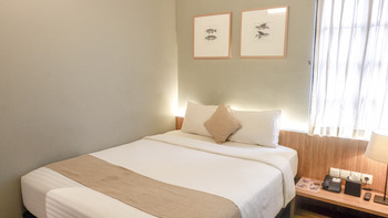 Triple Seven Hotel Bandung - Pop Art Queen Room Only Regular Plan